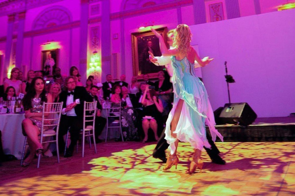 Dinner and Dance Venues - couple dancing - venueseeker