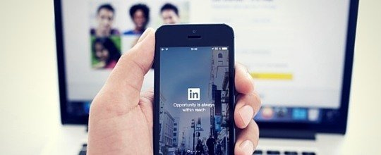 LinkedIn page updates