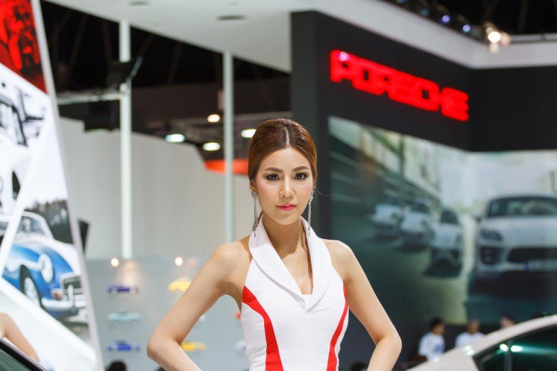 BANGKOK - MARCH 30 : Unidentified model with on display at The