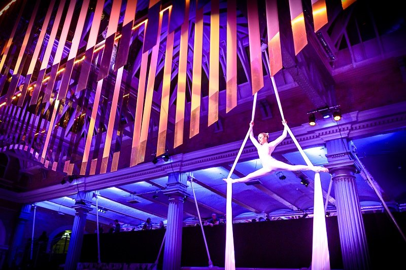 aerialists at old billingsgate
