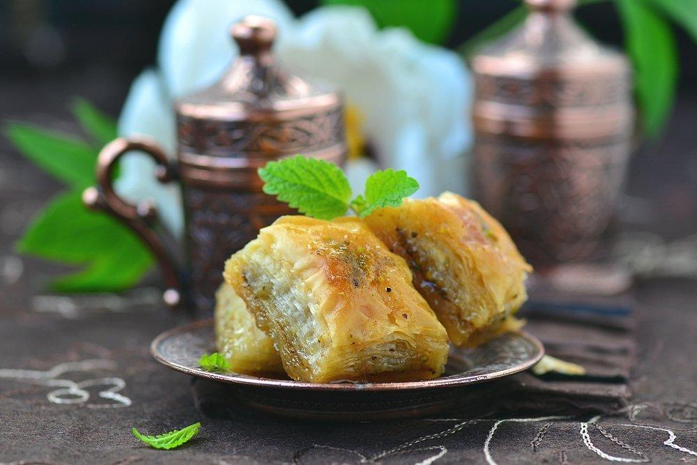 baklava dessert canapé